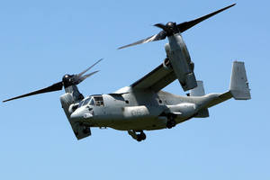 The Osprey: Half-airplane, half-helicopter, totally badass